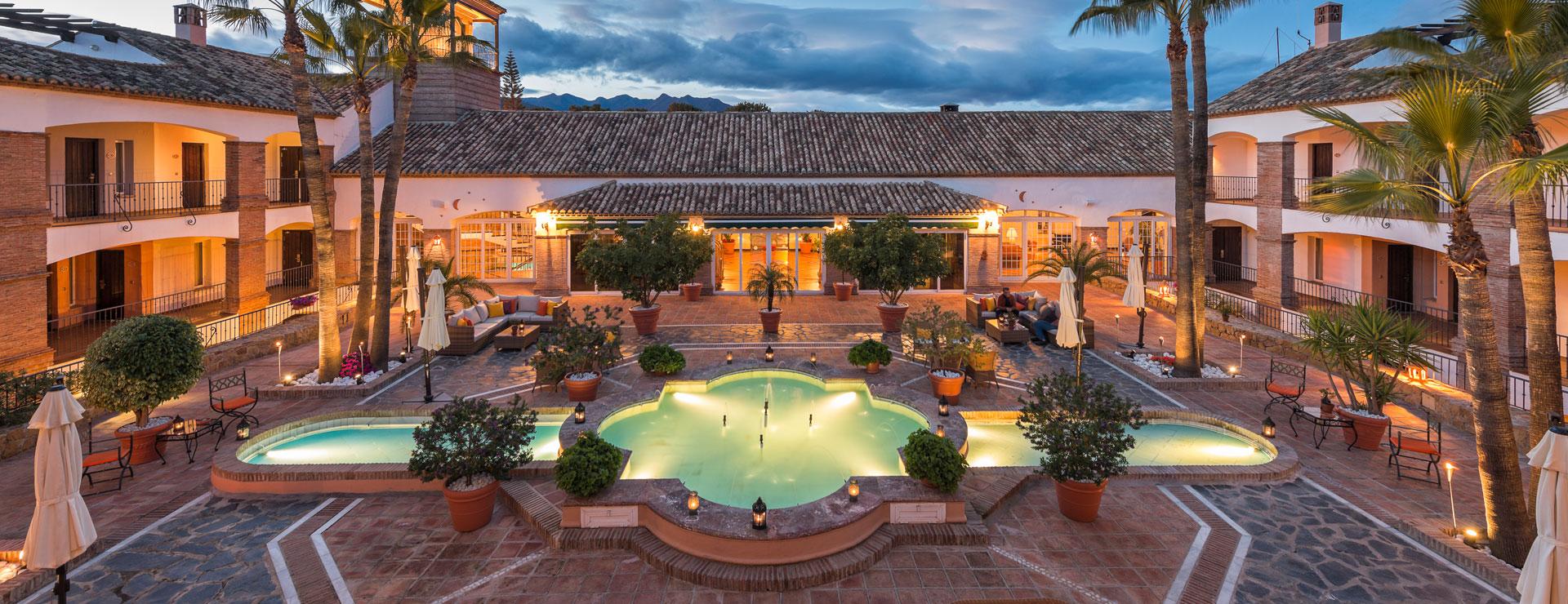 Patio Naranjo - La Cala Hotel