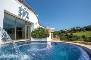 Jacuzzi at La Cala Spa